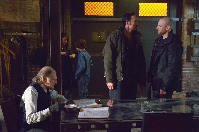 "THE STRAIN -- ""Night Train"" -- Episode 213 (Airs October 4, 10:00 pm e/p) -- Pictured: (l-r) David Bradley as Abraham Setrakian, Mia Maestro as Nora Martinez, Max Charles as Zack Goodweather, Kevin Durand as Vasiliy Fet, Corey Stoll as Ephraim Goodweather. CR: Michael Gibson/FX"