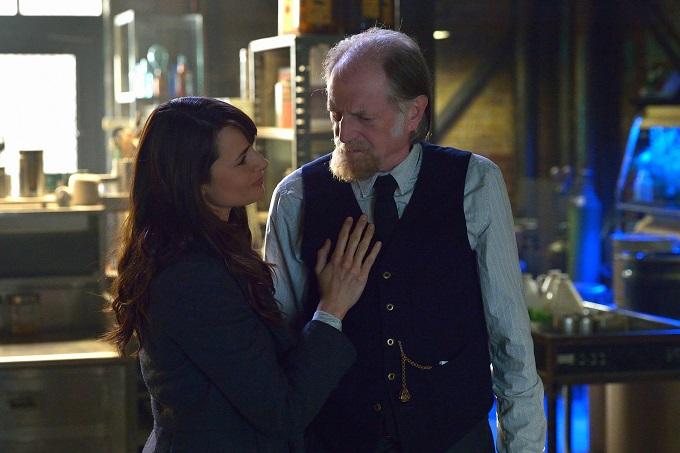 "THE STRAIN -- ""Night Train"" -- Episode 213 (Airs October 4, 10:00 pm e/p) Pictured: (l-r) Mia Maestro as Nora Martinez, David Bradley as Abraham Setrakian. CR: Michael Gibson/FX"