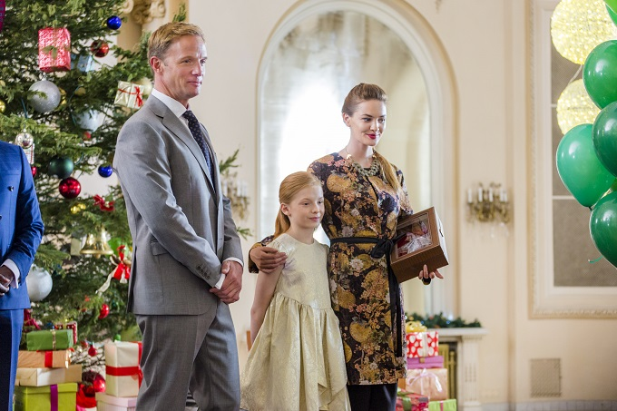 A Crown For Christmas.Hallmark Channel Advance Preview Crown For Christmas