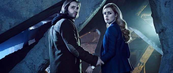 "Syfy Announces Premiere Dates For ""12 Monkeys"" And ""Hunters"""