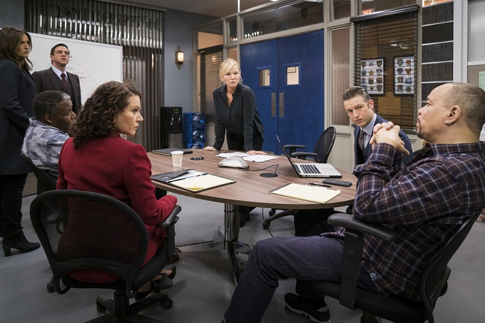 "LAW & ORDER: SPECIAL VICTIMS UNIT -- ""Collateral Damages"" Episode 1715 -- Pictured: (l-r) Mariska Hargitay as Lieutenant Olivia Benson, Raul Esparza as A.d.A. Rafael Barba, Susie Essman as Counselor Arlene Heller, Kelli Giddish as Detective Amanda Rollins, Peter Scanavino as Dominick ""Sonny"" Carisi, Ice-T as Detective Odafin ""Fin"" Tutuola -- (Photo by: Michael Parmelee/NBC)"