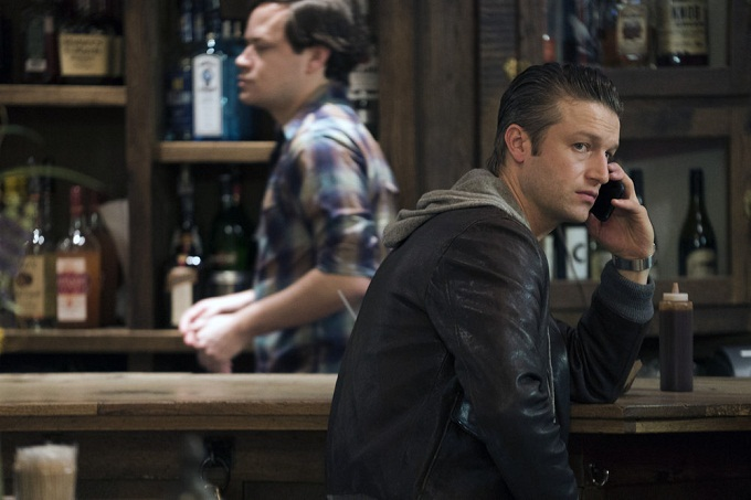 "LAW & ORDER: SPECIAL VICTIMS UNIT -- ""Collateral Damages"" Episode 1715 -- Pictured: Peter Scanavino as Dominick ""Sonny"" Carisi -- (Photo by: Michael Parmelee/NBC)"