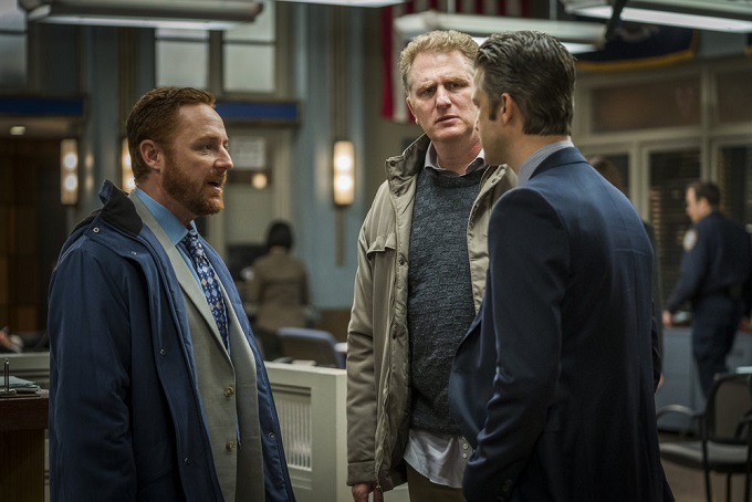 """LAW & ORDER: SPECIAL VICTIMS UNIT -- """"Sheltered Outcasts"""" Episode 1719 -- Pictured: (l-r) Scott Grimes as Counselor Tom Zimmerman, Michael Rapaport as Richie Caskey, Peter Scanavino as Dominick Carisi, Jr. -- (Photo by: Michael Parmelee/NBC)"""