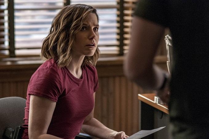 "CHICAGO P.D. -- ""Start Digging"" Episode 323 -- Pictured: Sophia Bush as Detective Erin Lindsay -- (Photo by: Matt Dinerstein/NBC)"