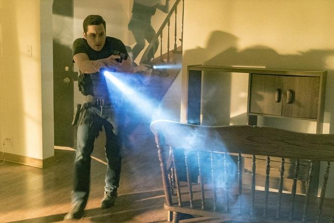 "CHICAGO P.D. -- ""Start Digging"" Episode 323 -- Pictured: Jesse Lee Soffer as Detective Jay Halstead -- (Photo by: Matt Dinerstein/NBC)"