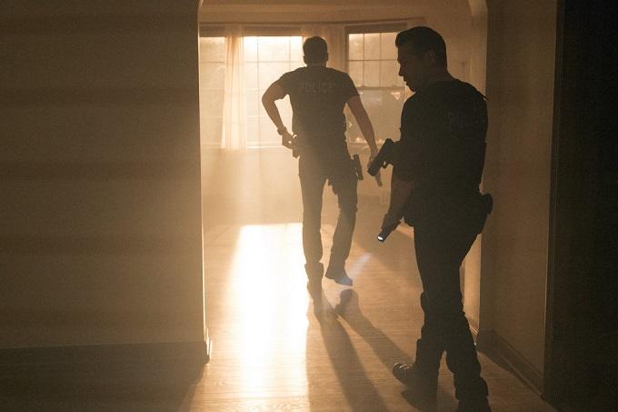 """CHICAGO P.D. -- """"Start Digging"""" Episode 323 -- Pictured: Jon Seda as Detective Antonio Dawson -- (Photo by: Matt Dinerstein/NBC)"""