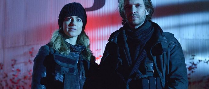"12 Monkeys Season 2 Finale Advance Preview: ""Memory Of Tomorrow"" [Photos + Video]"