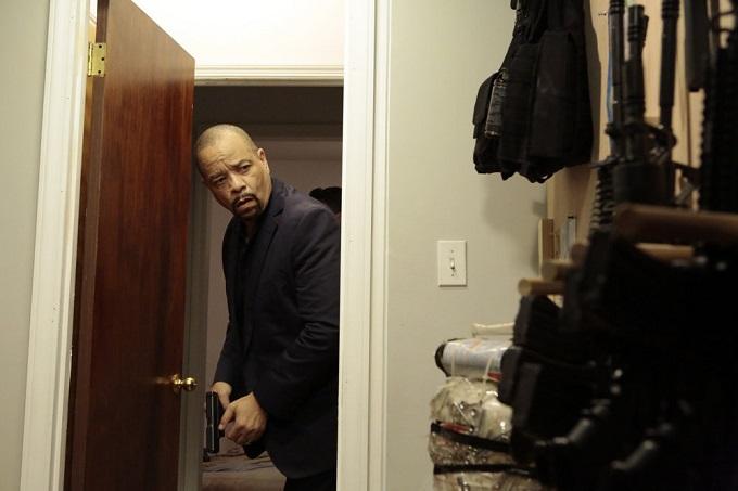 """LAW & ORDER: SPECIAL VICTIMS UNIT -- """"Terrorized"""" Episode 1801 -- Pictured: Ice-T as Detective Odafin """"Fin"""" Tutuola -- (Photo by: Giovanni Ruffino/NBC)"""