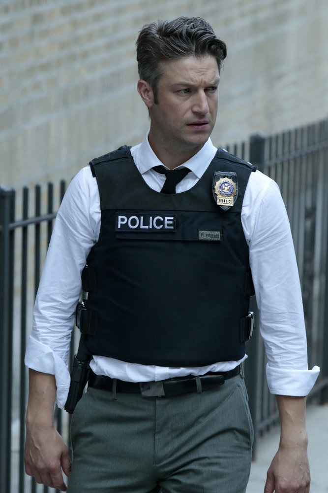 """LAW & ORDER: SPECIAL VICTIMS UNIT -- """"Terrorized"""" Episode 1801 -- Pictured: Peter Scanavino as Dominick """"Sonny"""" Carisi -- (Photo by: Giovanni Ruffino/NBC)"""