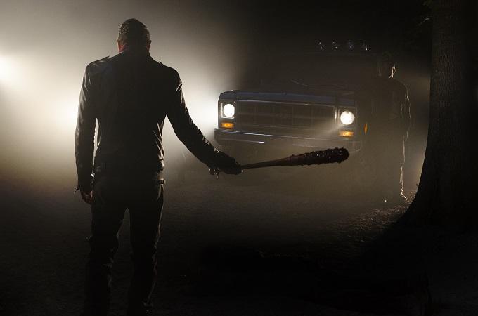 >>> NOT TO BE USED UNTIL 10/24/16 at 1:00 AM EST <<< Jeffrey Dean Morgan as Negan- The Walking Dead _ Season 7, Episode 1 - Photo Credit: Gene Page/AMC