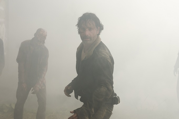 >>> NOT TO BE USED UNTIL 10/24/16 at 1:00 AM EST <<< Andrew Lincoln as Rick Grimes- The Walking Dead _ Season 7, Episode 1 - Photo Credit: Gene Page/AMC