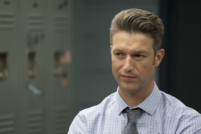 """LAW & ORDER: SPECIAL VICTIMS UNIT -- """"Heightened Emotions"""" Episode 1805 -- Pictured: Peter Scanavino as Dominick Carisi Jr. -- (Photo by: Peter Kramer/NBC)"""