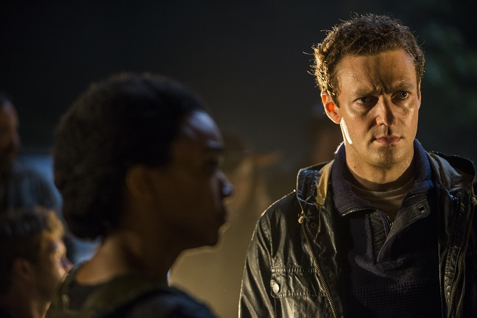 >>> NOT TO BE USED UNTIL 10/24/16 at 1:00 AM EST <<< Ross Marquand as Aaron, Sonequa Martin-Green as Sasha Williams- The Walking Dead _ Season 7, Episode 1 - Photo Credit: Gene Page/AMC