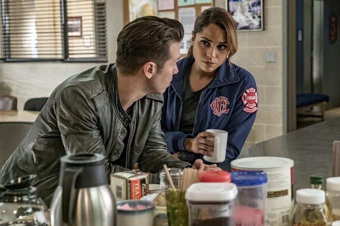 """CHICAGO P.D. -- """"300,000 Likes"""" Episode 407 -- Pictured: (l-r) Jon Seda as Antonio Dawson, Monica Raymund as Gabriela Dawson -- (Photo by: Matt Dinerstein/NBC)"""