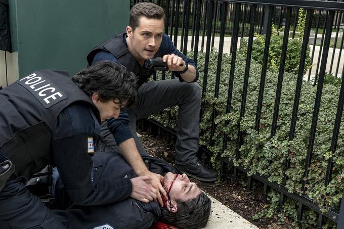 """CHICAGO P.D. -- """"A Shot Heard Around The World"""" Episode 408 -- Pictured: Jesse Lee Soffer as Jay Halstead -- (Photo by: Matt Dinerstein/NBC)"""