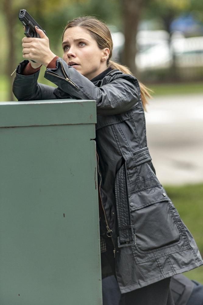 "CHICAGO P.D. -- ""A Shot Heard Around The World"" Episode 408 -- Pictured: Sophia Bush as Erin Lindsay -- (Photo by: Matt Dinerstein/NBC)"