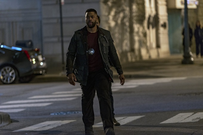 """CHICAGO P.D. -- """"Don't Bury The Case"""" Episode 409 -- Pictured: LaRoyce Hawkins as Kevin Atwater -- (Photo by: Matt Dinerstein/NBC)"""