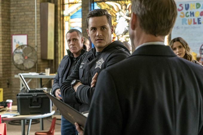 """CHICAGO P.D. -- """"Sanctuary"""" Episode 412 -- Pictured: Jesse Lee Soffer as Jay Halstead -- (Photo by: Matt Dinerstein/NBC)"""