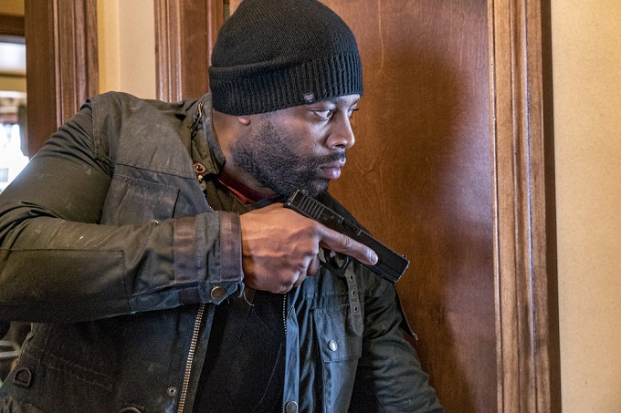 """CHICAGO P.D. -- """"Sanctuary"""" Episode 412 -- Pictured: LaRoyce Hawkins as Kevin Atwater -- (Photo by: Matt Dinerstein/NBC)"""