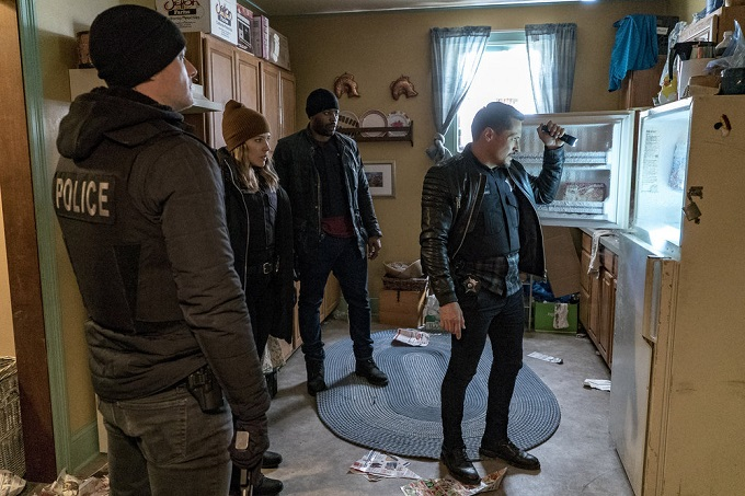 """CHICAGO P.D. -- """"Sanctuary"""" Episode 412 -- Pictured: (l-r) Jesse Lee Soffer as Jay Halstead, Sophia Bush as Erin Lindsay, LaRoyce Hawkins as Kevin Atwater, Nick Wechsler as Kenny Rixton -- (Photo by: Matt Dinerstein/NBC)"""