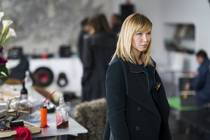 """LAW & ORDER: SPECIAL VICTIMS UNIT -- """"Chasing Theo"""" Episode 1813 -- Pictured: Kelli Giddish as Detective Amanda Rollins -- (Photo by: Michael Parmelee/NBC)"""