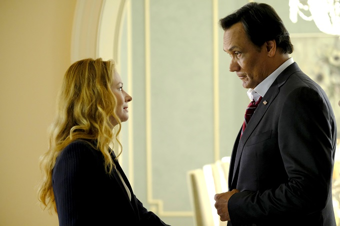 "24: LEGACY: L-R: Miranda Otto and Jimmy Smits in the ""2:00 PM-3:00 PM"" episode of 24: LEGACY airing Saturday, Feb. 18 (8:00-9:00 PM ET/PT) on FOX. ©2017 Fox Broadcasting Co. Cr: Guy D'Alema/FOX"