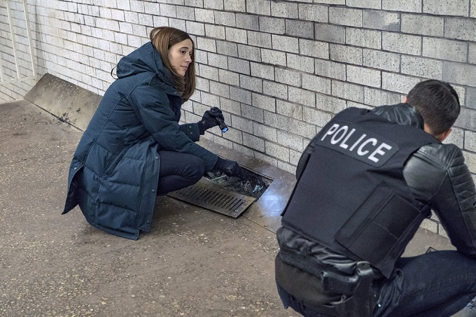 """CHICAGO P.D. -- """"Favor, Affection, Malice Or Ill-Will"""" Episode 415 -- Pictured: Marina Squerciati as Kim Burgess -- (Photo by: Matt Dinerstein/NBC)"""