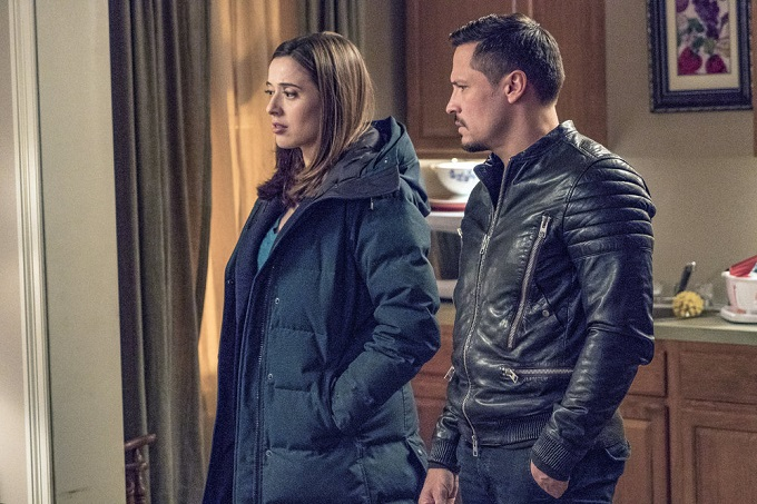 """CHICAGO P.D. -- """"Favor, Affection, Malice Or Ill-Will"""" Episode 415 -- Pictured: (l-r) Marina Squerciati as Kim Burgess, Nick Wechsler as Kenny Rixton -- (Photo by: Matt Dinerstein/NBC)"""