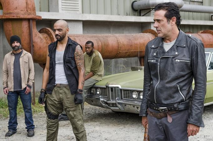 Jeffrey Dean Morgan as Negan, Vince Pusani as Savior- The Walking Dead _ Season 7, Episode 11 - Photo Credit: Gene Page/AMC