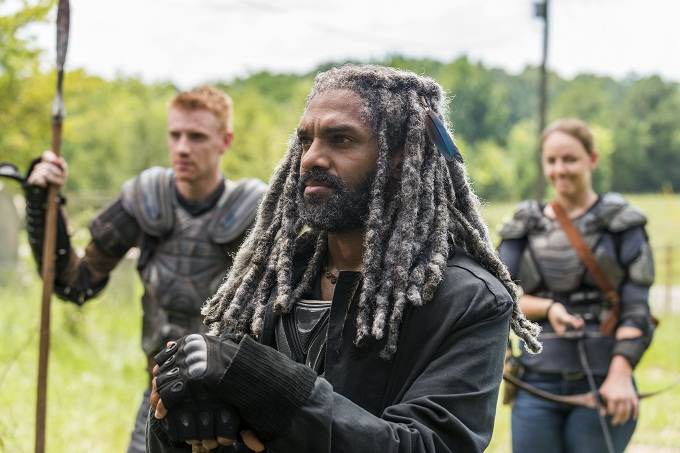 Khary Payton as Ezekiel, Josh Mikel as Jared, Kerry Cahill as Dianne- The Walking Dead _ Season 7, Episode 10 - Photo Credit: Gene Page/AMC