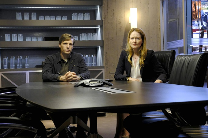 "24: LEGACY: L-R: Teddy Sears and Miranda Otto in the ""3:00 PM-4:00 PM"" episode of 24: LEGACY airing Monday, Feb. 20 (8:00-9:01 PM ET/PT) on FOX. ©2017 Fox Broadcasting Co. Cr: Guy D'Alema/FOX"