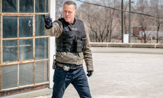 """Chicago P.D. Season 5 Finale Advance Preview: """"Homecoming"""" [Photos+Video]"""