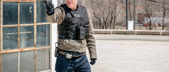 "Chicago P.D. Season 5 Finale Advance Preview: ""Homecoming"" [Photos+Video]"